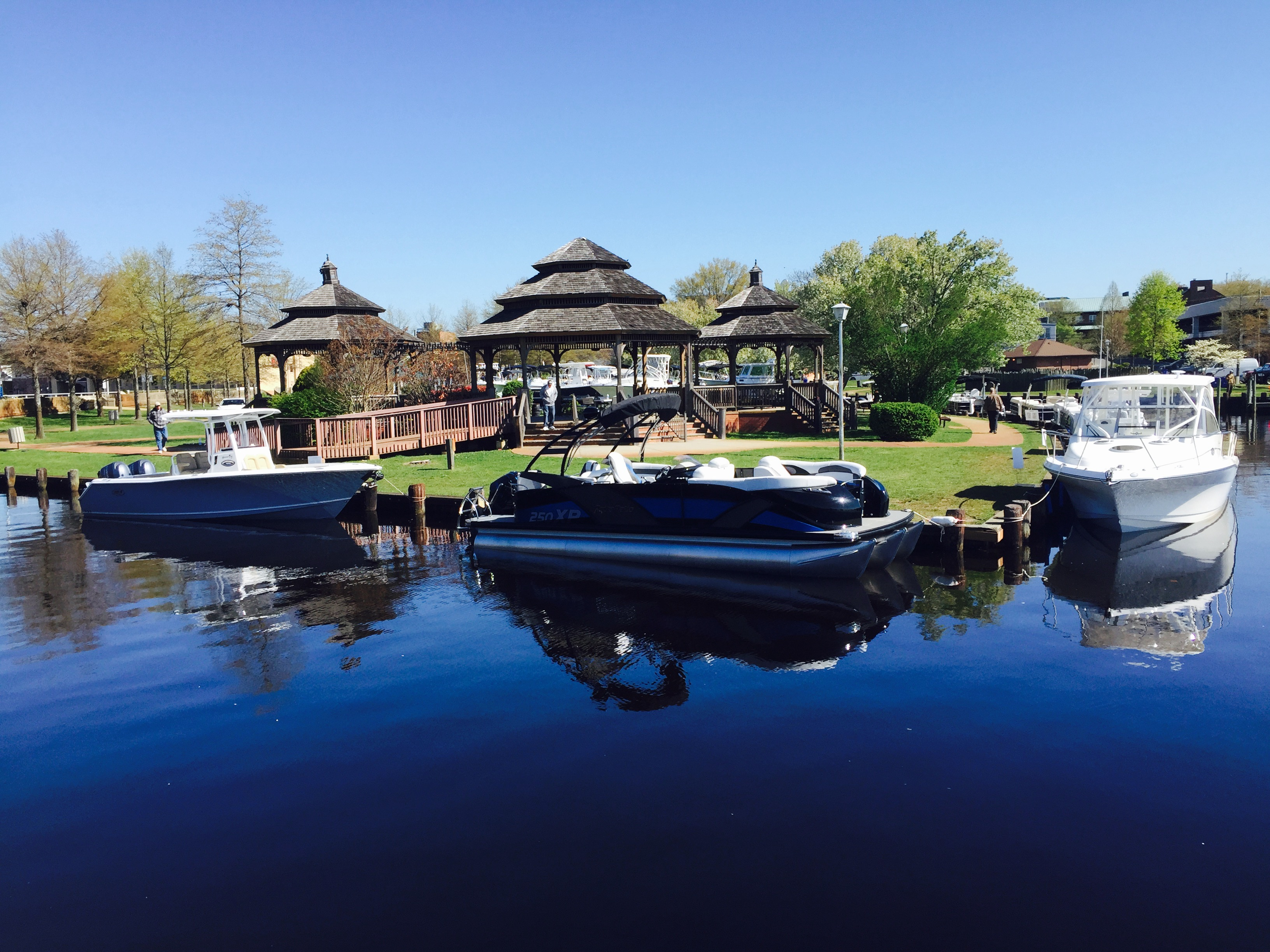 Great picture of the Spring 2015 Huddy Park boat show