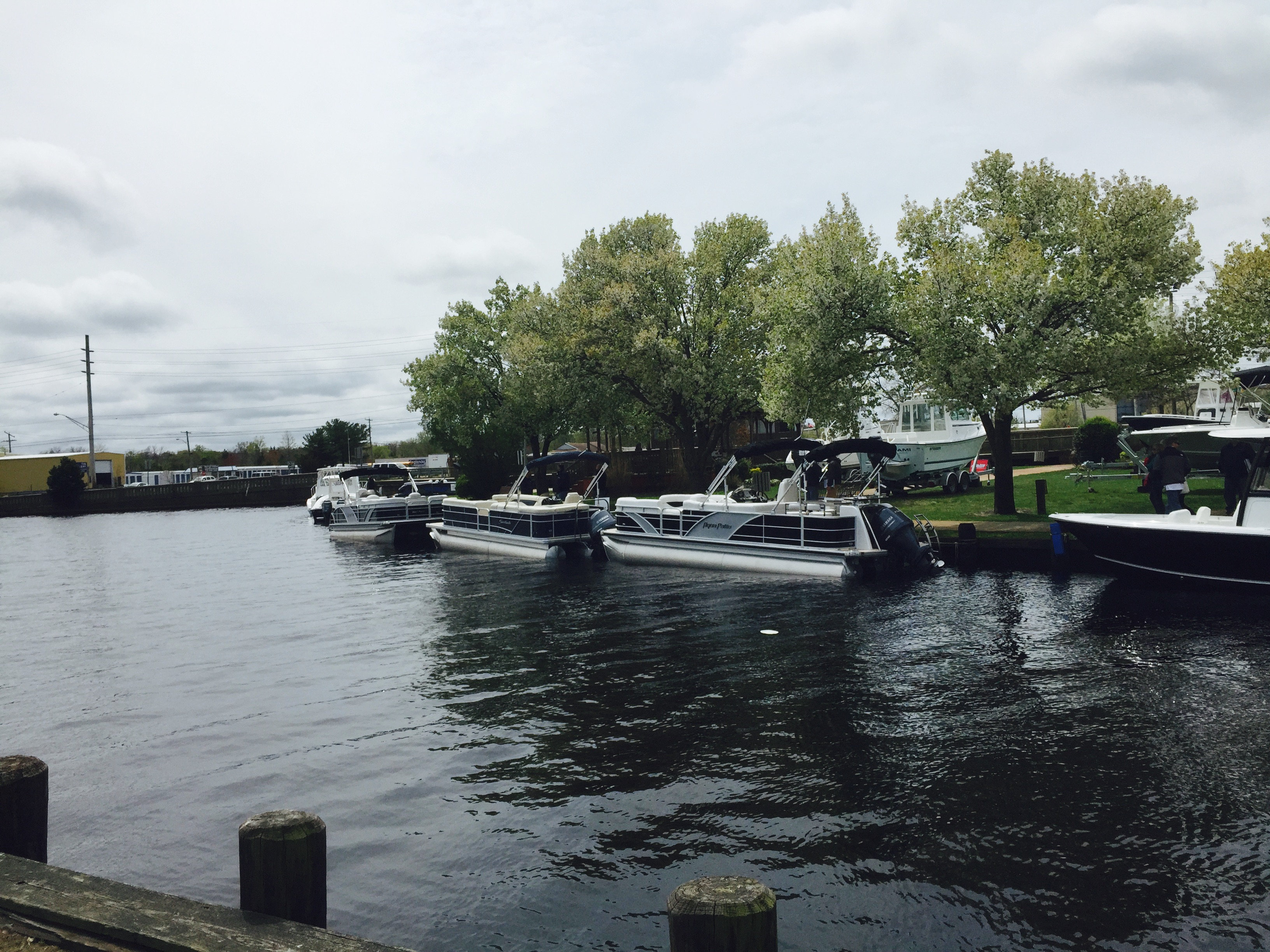 Pontoon test ride boats at spring 2015 show